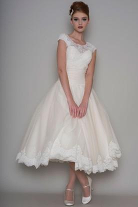 Tea Length A Line Scoop Neck Liqued Cap Sleeve Tulle Wedding Dress