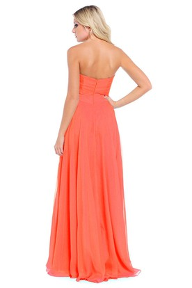 A-Line Sleeveless Criss-Cross Sweetheart Long Chiffon Prom Dress With Draping And Appliques