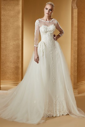 Vintage Long-Sleeve Jewel-Neck Bridal Gown With Fine Appliques And Court Train