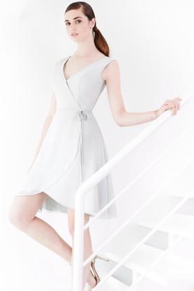 Short Bowed V-Neck Sleeveless Chiffon Bridesmaid Dress