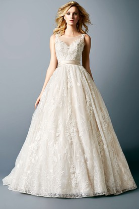 Scoop Maxi Appliqued Lace Wedding Dress With Chapel Train And Illusion
