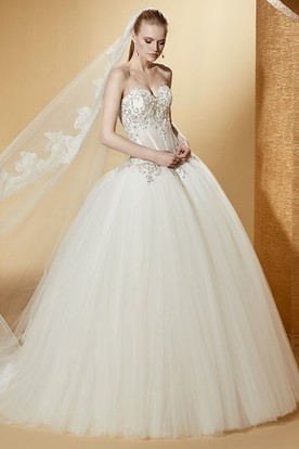 Chic Sleeveless Ball Gown With Beaded Corset And Lace-Up Back