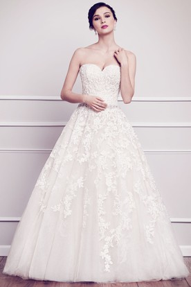 Ball Gown Floor-Length Jeweled Sweetheart Lace&Tulle Wedding Dress With Appliques And Deep-V Back