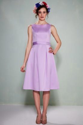 Tea-Length Sleeveless Bateau Neck Satin Bridesmaid Dress