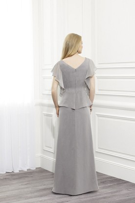 Ruched Poet Sleeve Scoop Neck Chiffon Mother Of The Bride Dress With Broach And Peplum