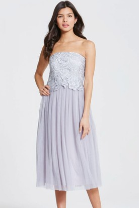 Tea-Length Strapless Appliqued Tulle Bridesmaid Dress With Pleats