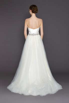 A-Line Floor-Length Sweetheart Tulle Wedding Dress With Waist Jewellery And V Back