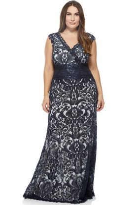 V-Neck Cap Sleeve Appliqued Lace Evening Dress