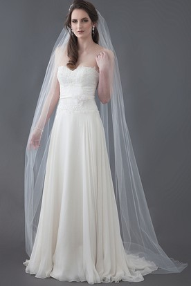 A-Line Sweetheart Floral Sleeveless Floor-Length Lace Wedding Dress With Pleats