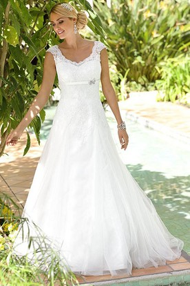A-Line V-Neck Cap-Sleeve Floor-Length Tulle&Lace Wedding Dress With Appliques