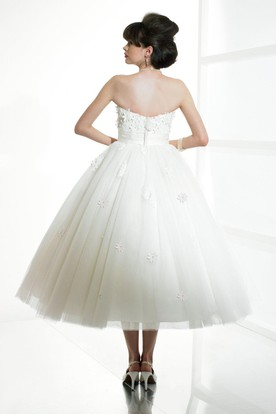 A-Line Tea-Length Appliqued Strapless Tulle Wedding Dress