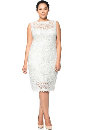 Knee-Length Appliqued Jewel Neck Sleeveless Lace Cocktail Dress