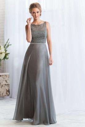 Sleeveless Bateau-Neck A-Line Long Bridesmaid Dress With Lace Bodice