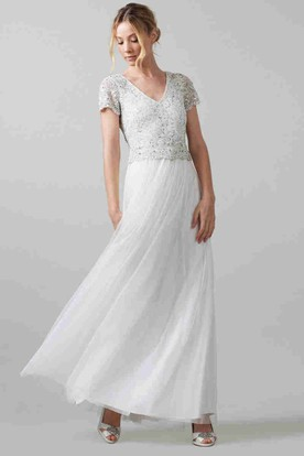 Sheath Short-Sleeve Long V-Neck Chiffon Wedding Dress With Sequins And Keyhole