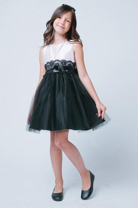 Tiered Bowed Tulle&Lace Flower Girl Dress With Sash