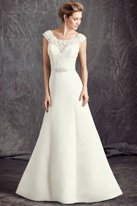A-Line Cap-Sleeve Appliqued Scoop-Neck Satin Wedding Dress With Waist Jewellery And Bow