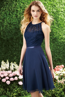 Sleeveless A-Line Knee-Length Bridesmaid Dress With Lace Bodice And Keyhole Back