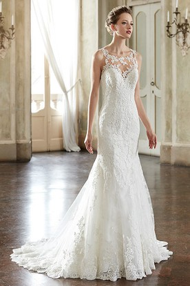 Sheath Sleeveless Scoop-Neck Floor-Length Appliqued Lace Wedding Dress