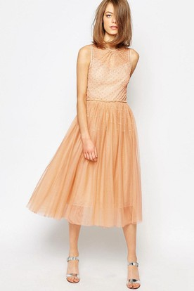 A-Line Beaded Floor-Length Sleeveless Scoop-Neck Tulle Bridesmaid Dress With Pleats