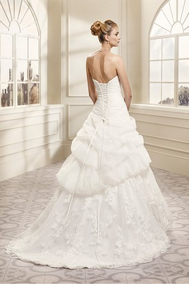 Ball Gown Strapless Appliqued Organza Wedding Dress With Pick Up And Lace Up