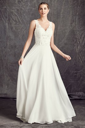 A-Line Long Sleeveless V-Neck Appliqued Chiffon Wedding Dress With Court Train And Deep-V Back