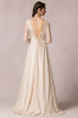 Sheath Floor-Length Jewel-Neck Long-Sleeve Lace Wedding Dress With Appliques And V Back