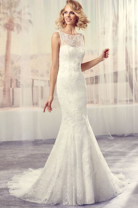 Long Scoop Appliqued Lace Wedding Dress With Court Train And Illusion