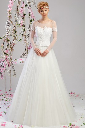 A-Line Long-Sleeve Long Appliqued Scoop-Neck Tulle Wedding Dress