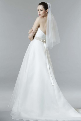 A-Line Criss-Cross Sweetheart Sleeveless Organza Wedding Dress