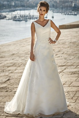 A-Line Sleeveless V-Neck Maxi Side-Draped Satin&Lace Wedding Dress