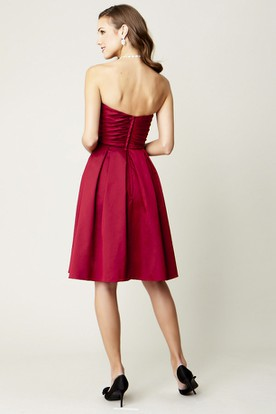 Knee-Length Ruched One-Shoulder Sleeveless Satin Bridesmaid Dress