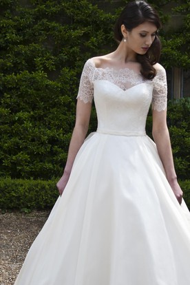 Ball Gown Bateau-Neck Short-Sleeve Tulle&Satin Wedding Dress