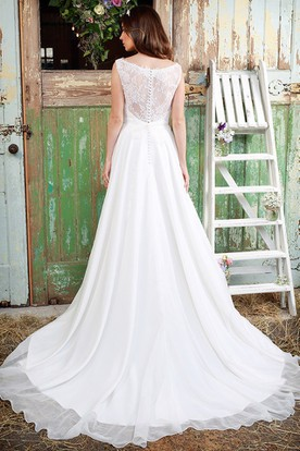 Sheath Sleeveless Scoop-Neck Long Chiffon Wedding Dress With Appliques And Illusion