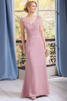 V-Neck Cap-Sleeved Long Mother Of The Bride Dress With Appliques And Jewels