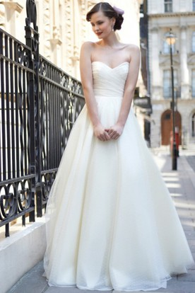 A-Line Sweetheart Tulle Wedding Dress With Criss Cross And Deep-V Back
