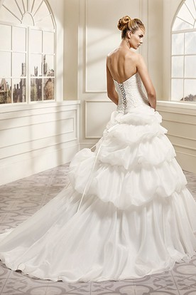 Ball Gown Cap-Sleeve Ruffled Sweetheart Organza Wedding Dress With Cape