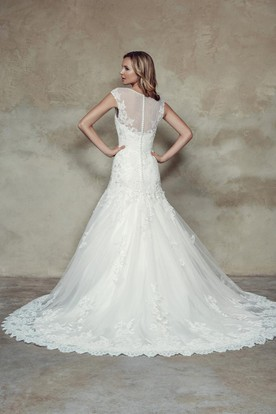 A-Line Cap-Sleeve Scoop-Neck Lace Wedding Dress With Illusion
