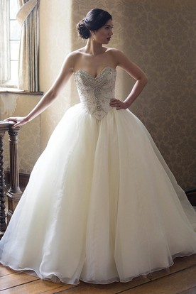 Ball Gown Sweetheart Organza Wedding Dress With Crystal Detailing And Lace Up