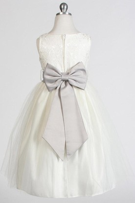 Tea-Length Bowed Sleeveless Tulle&Satin Flower Girl Dress