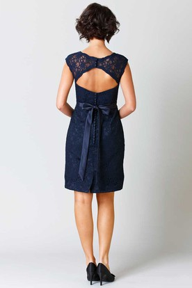 Pencil Sleeveless Short Scoop-Neck Lace Bridesmaid Dress With Ribbon And Keyhole