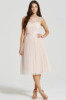 Tea-Length Sleeveless Scoop Neck Beaded Tulle Bridesmaid Dress