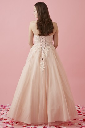 Ball Gown Maxi Sweetheart Sleeveless Tulle Corset Back Dress With Appliques