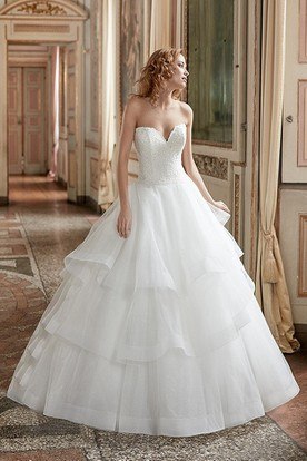 Ball Gown Appliqued Sweetheart Tulle Wedding Dress With Tiers