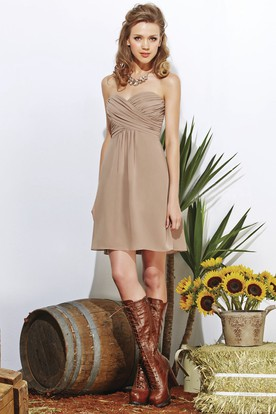 Sweetheart A-Line Short Chiffon Bridesmaid Dress With Crisscross Ruches