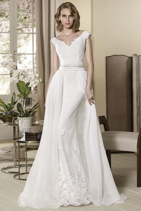 Sheath Appliqued Cap-Sleeve V-Neck Maxi Wedding Dress With Pleats