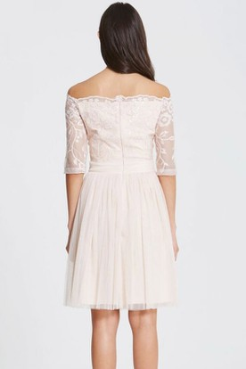 Mini Off-The-Shoulder Lace Short Sleeve Tulle Bridesmaid Dress With Embroidery