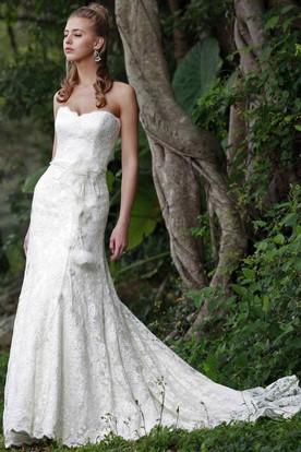Sheath Strapless Appliqued Floor-Length Lace Wedding Dress With Flower And Court Train
