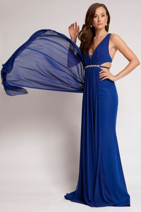 V-Neck Jeweled Sleeveless Chiffon Prom Dress With Ruching And Straps
