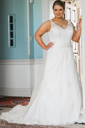 Plus Size V Neck Lace Bridal Gown With Up And Train