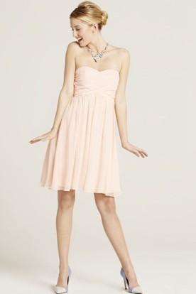 Short Sleeveless Sweetheart Criss-Cross Chiffon Bridesmaid Dress With Bow